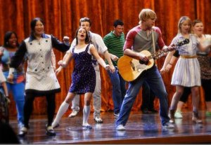 Glee Club - Cantando Don't Stop